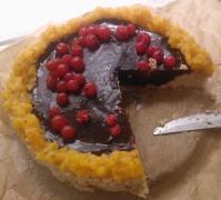 Raw Carob Pie