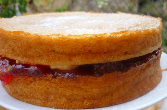 Victoria Sandwich 18-08-14 001