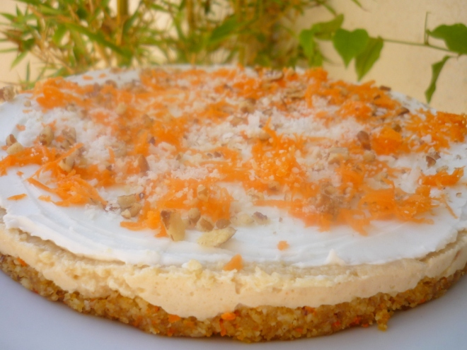 livingraw carrot cake cheesecake 002